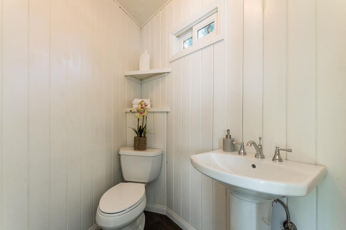 Houselens | properties.houselens.com/60156/4744+Norwich+Ave%2C+ ...